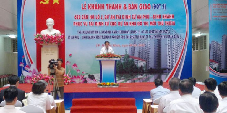 Hand-over of relocation apartments at Thu Thiem New Urban Zone